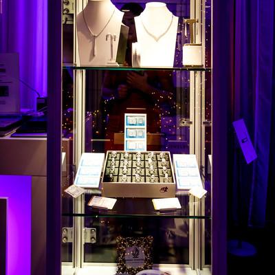 Een productvoorstelling tijdens een bedrijfsfeest in een feestzaal in 's Graevenhof te Antwerpen